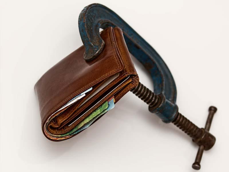 ¿Usted Está Pagando Demasiado en los Honorarios de su Abogado?